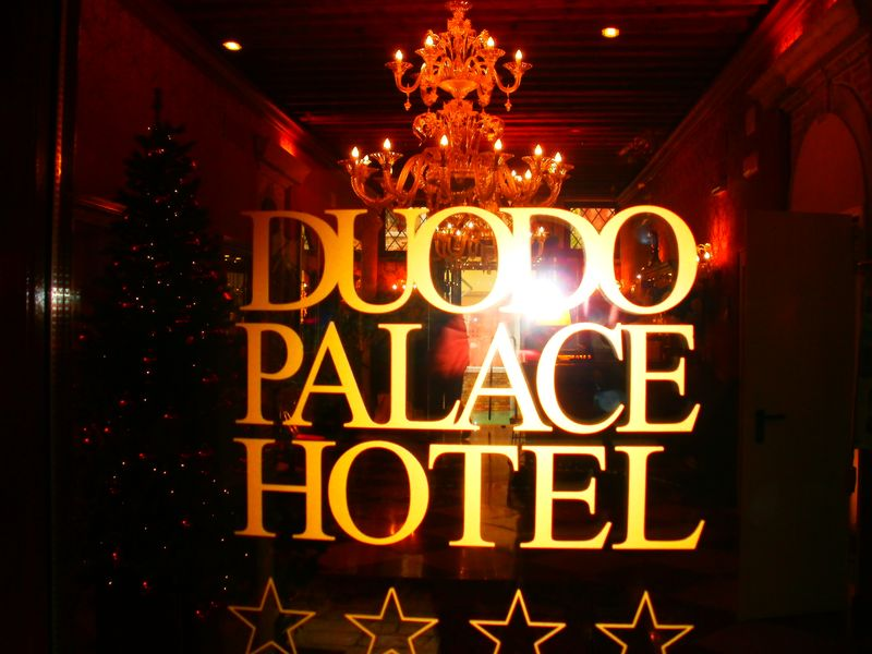 001. Duodo Palace doors