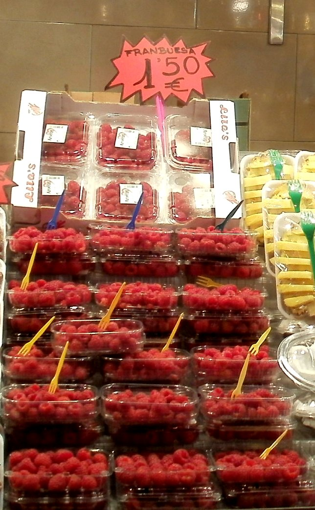 Mercat La Boqueria raspberries