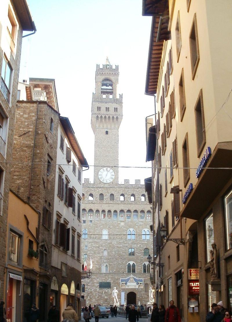 A glimpse of Piazza della Signoria