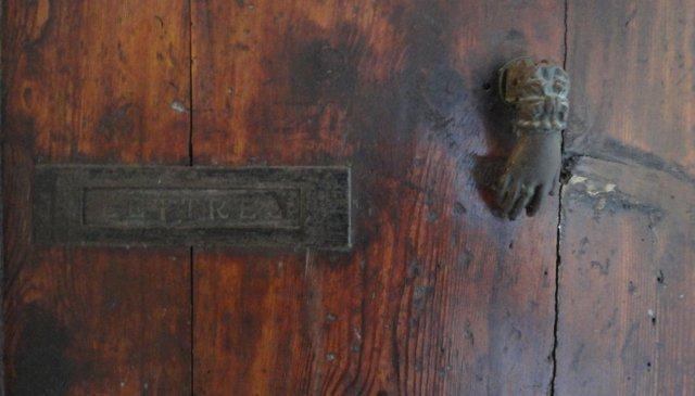 Cannes-door-knocker