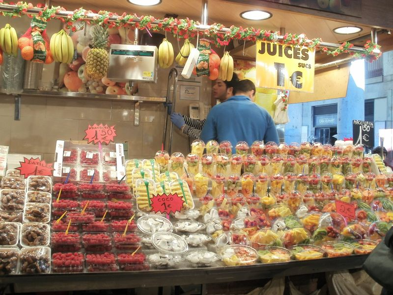 Mercat La Boqueria fruit bar