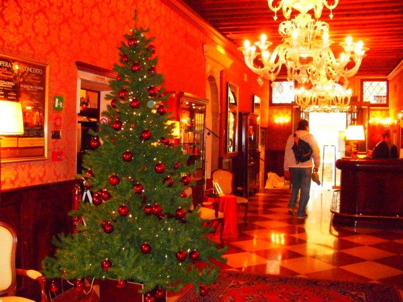 001. Duodo Palace lobby