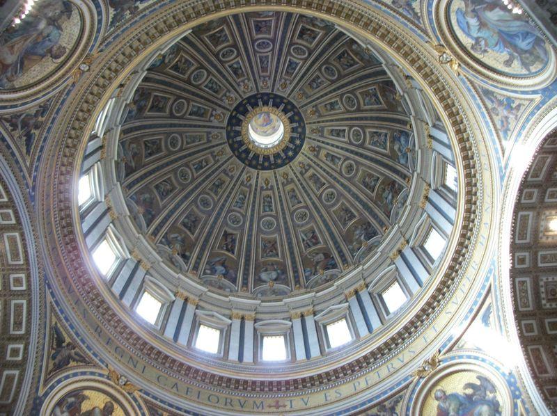 002-inside-the-basillica-The-Pieta-44