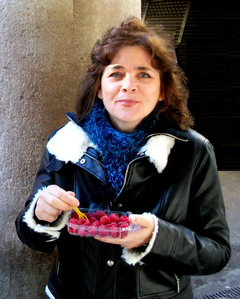 Mercat La Boqueria - raspberries for lunch